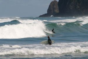 06Jun2015020618Piha Beach Auckland people 4.jpg