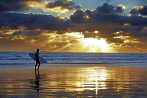 06Jun2015020631Karekare surfer sunset.jpg